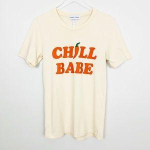 HUXLEY + HARPER Chill Babe Graphic Tee S Cream